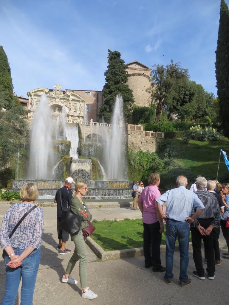 Villa d´Este oli suihkukaivoineen miellyttävä kokemus!